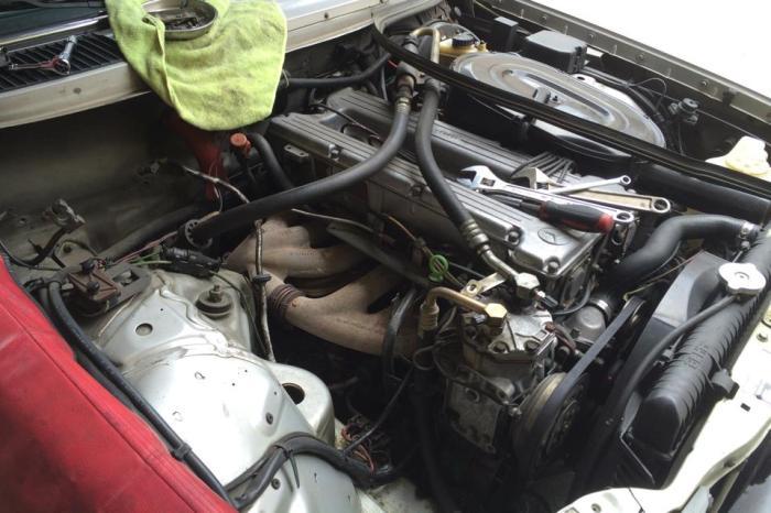 w123 エアコンガス漏れ修理