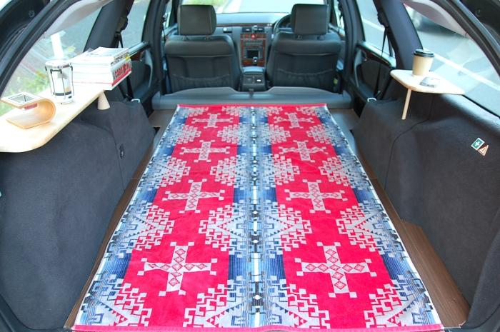 メルセデス ベンツ Eクラス ワゴン W210 S210 ラゲッジ リビングルーム フローリング サーフトリップ オートキャンプ 車中泊 旅行  キャンプ アウトドア オシャレ