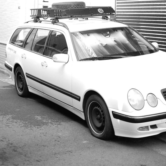 mercedes benz w210 メルセデスベンツ Eクラス ホワイトリボンタイヤ